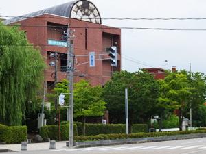 魚津市立図書館